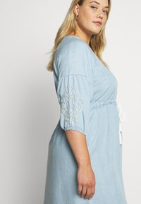 ZAY - YINGE  DRESS - Denní šaty - light blue denim - 3