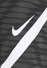 Nike Performance - STRIKE SHORT - Urheilushortsit - black/anthracite/white - 2