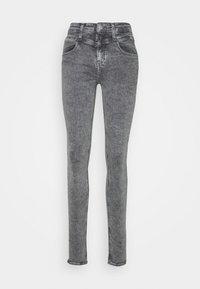 Calvin Klein Jeans - MID RISE SKINNY - Jeans Skinny Fit - grey yoke - 3