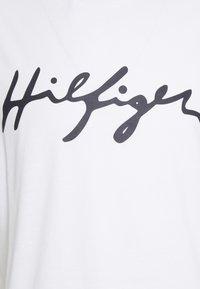 Tommy Hilfiger - LOGO CREW NECK TEE - Pyjamapaita - white - 2