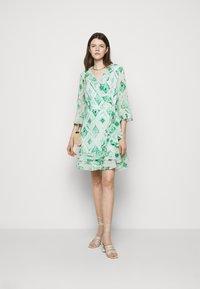 Marella - LIVREA - Denní šaty - verde smeraldo - 1
