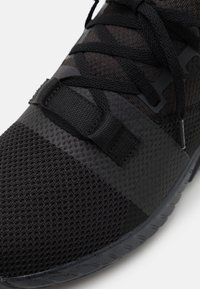 Reebok - FLASHFILM TRAIN 2.0 UNISEX - Scarpe da fitness - core black/cold grey/footwear white - 5