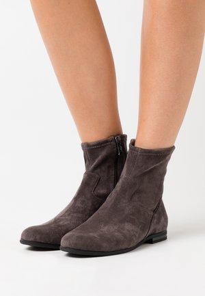BOOTS - Korte laarzen - dark grey