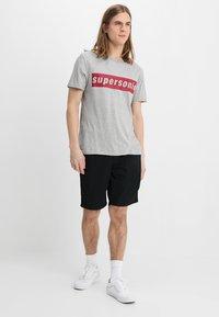 Vans - AUTHENTIC - Shorts - black - 1