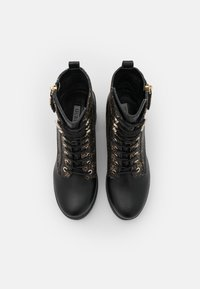 Guess - CABRA - Šněrovací kotníkové boty - brown/ocra - 5