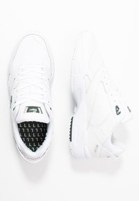 Lacoste - STORM - Trainers - white/dark green - 1