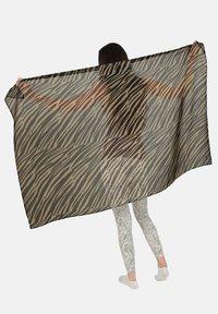 HotSquash - Scarf - animal stripe - 0
