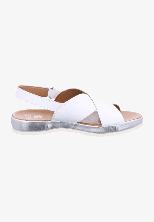 ARA DUBAI. - Sandales - blanc