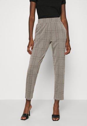 SC-KIARA 3 - Trousers - dark caramel combi