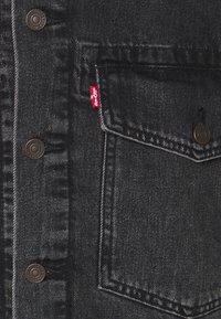 Levi's® - WORK TRUCKER - Kurtka jeansowa - blacks - 5