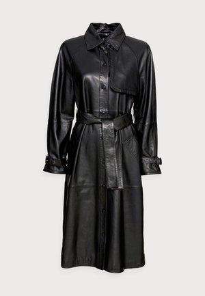 CORNEL - Trenchcoat - black