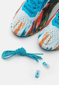 ASICS - NOOSA TRI 13 - Chaussures de running compétition - digital aqua/marigold orange - 5