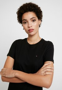 Tommy Hilfiger - T-shirt basic - black - 3