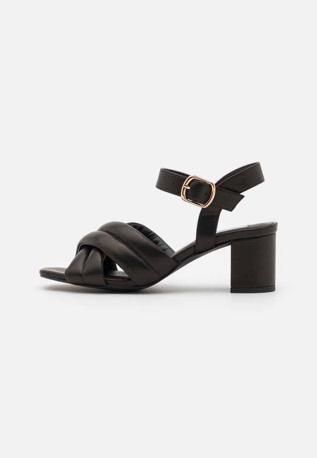 KEANA - Sandales - black