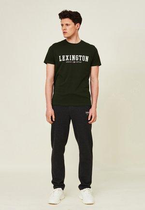 JUSTIN - Print T-shirt - green