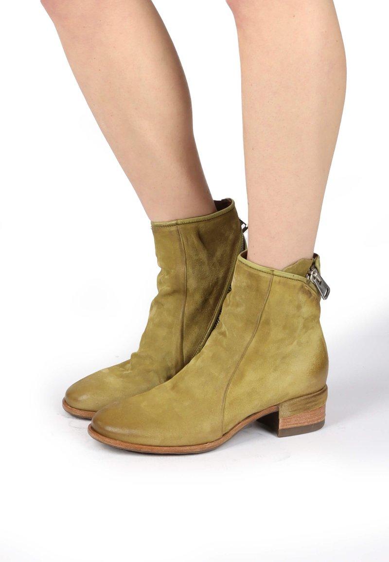A.S.98 - Cowboy/biker ankle boot - detox