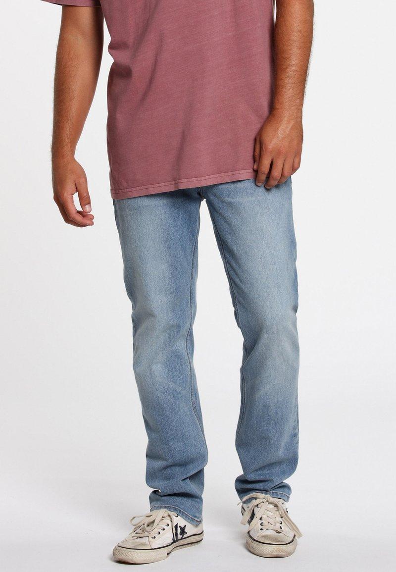 Volcom - SOLVER - Jeans Straight Leg - vintage blue