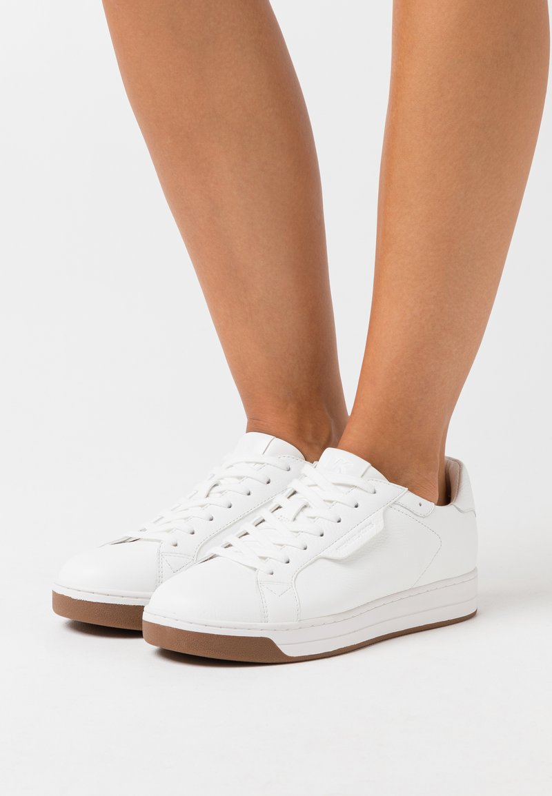 MICHAEL Michael Kors - KEATING LACE UP - Sneakers laag - optic white