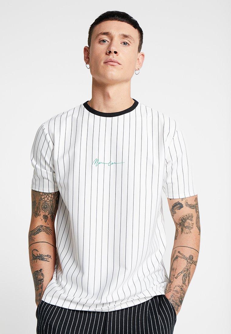 Mennace - STRIPE TEE - Print T-shirt - white