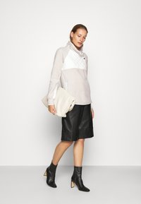 Abercrombie & Fitch - ASYMETRICAL SNAP - Sweat polaire - cream/cream - 1