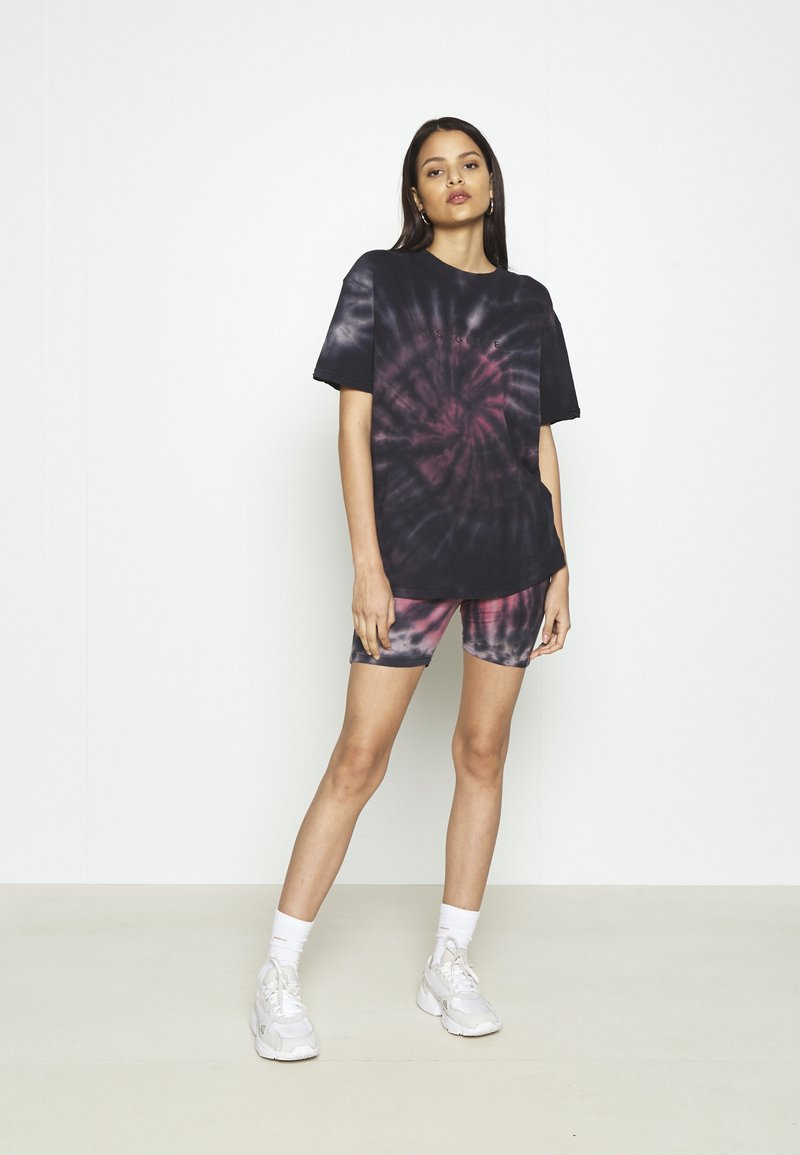 Missguided - COORD AND CYCLE TIE DYE SET - Shorts - pink