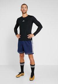 adidas Performance - SQUADRA CLIMALITE FOOTBALL 1/4 SHORTS - Sportovní kraťasy - dark blue/white - 1