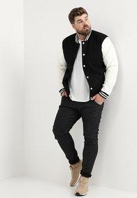G-Star - 5620 3D SKINNY PM - Jeans Skinny Fit - loomer black rop stretch denim dk aged cobler - 1
