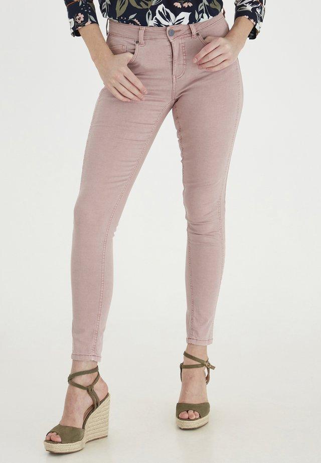 FRANSA - Jeans slim fit - misty rose
