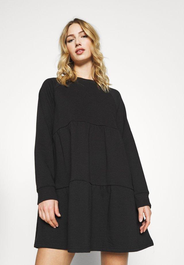 OSMA DRESS - Freizeitkleid - black dark unique