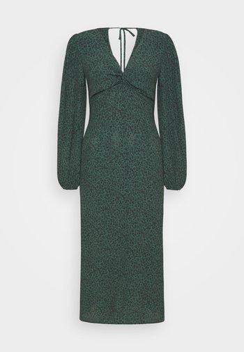 PRINTED DRESS - Kjole - green