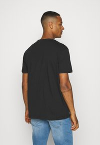 YOURTURN - UNISEX - T-shirt med print - black - 2