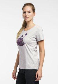 Haglöfs - MIRTH TEE - Print T-shirt - grey melange/purple milk - 2