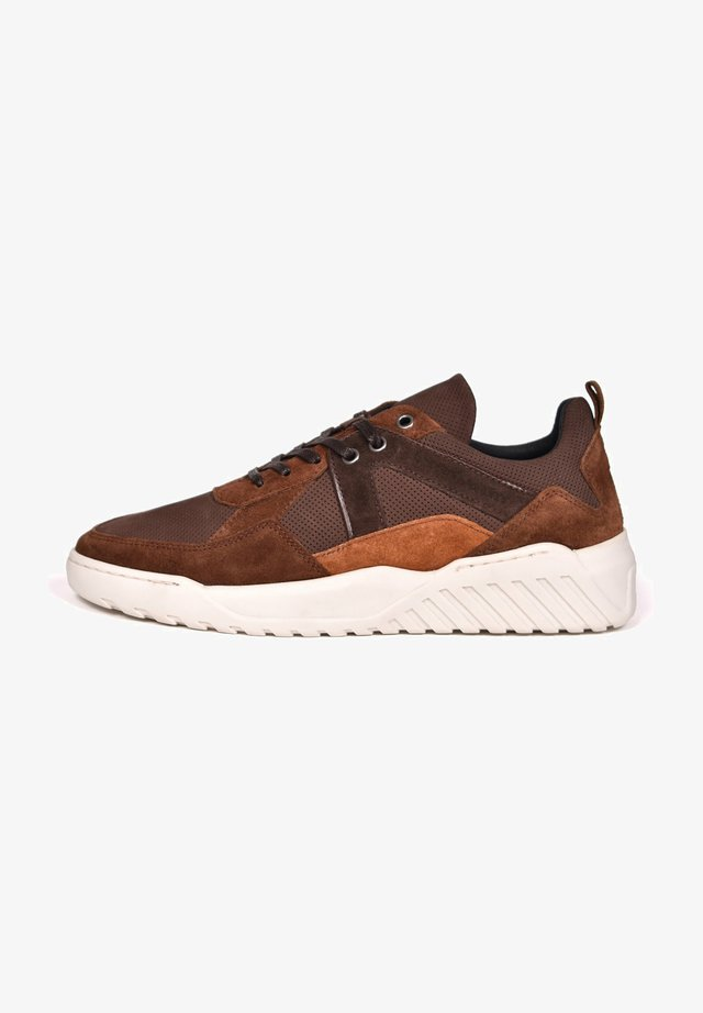 ILLINOIS - Sneakers laag - dark brown cognac