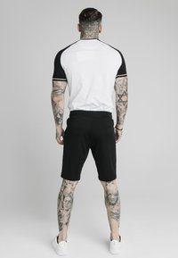 SIKSILK - INSET CUFF - Print T-shirt - black/white - 2