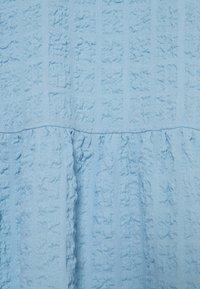 Monki - Kjole - blue light - 7
