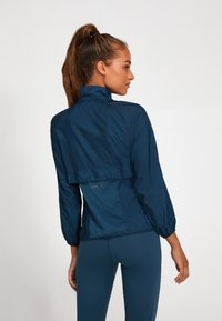 ASICS - NEW STRONG - Sports jacket - magnetic blue - 2