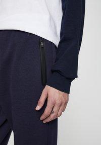 PULL&BEAR - Pantaloni sportivi - dark blue - 4