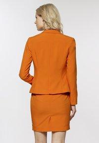 OppoSuits - Blazer - orange - 2