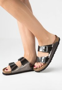 Birkenstock - ARIZONA - Slippers - metallic anthracite - 0