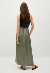 Mango - MATILDE-A - Pleated skirt - olivengrün - 2