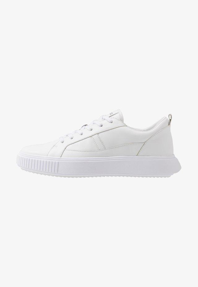 CALLUM - Baskets basses - white