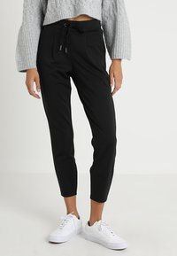 b.young - RIZETTA CROP PANTS - Tracksuit bottoms - black - 0