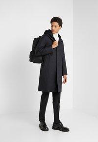 Mackintosh - CHRYSTON - Płaszcz wełniany /Płaszcz klasyczny - black - 1