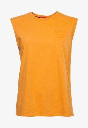 Top - shocker orange