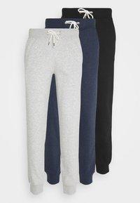 Pier One - 3 PACK - Spodnie treningowe - mottled light grey/mottled dark blue/black - 6