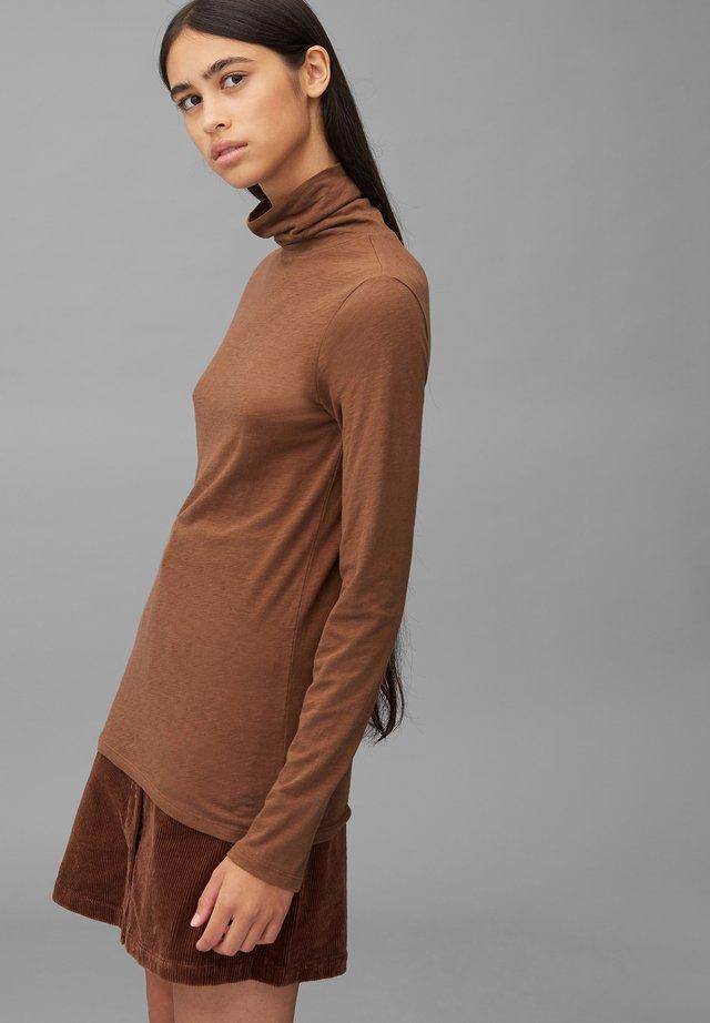 LONG SLEEVE TURTLE NECK - Bluzka z długim rękawem - fantastic brown