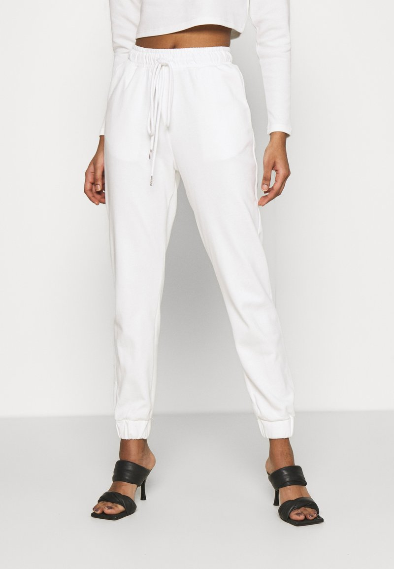 Glamorous - TED TROUSERS WITH FRONT TIE DETAIL - Tracksuit bottoms - cream