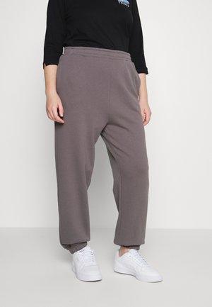 HIGH WAIST TRACK PANT - Träningsbyxor - ash grey