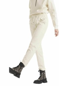 Marc Cain - Tracksuit bottoms - offwhite - 1