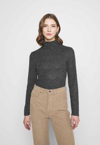 PCPAM HIGH NECK - Stickad tröja - dark grey melange